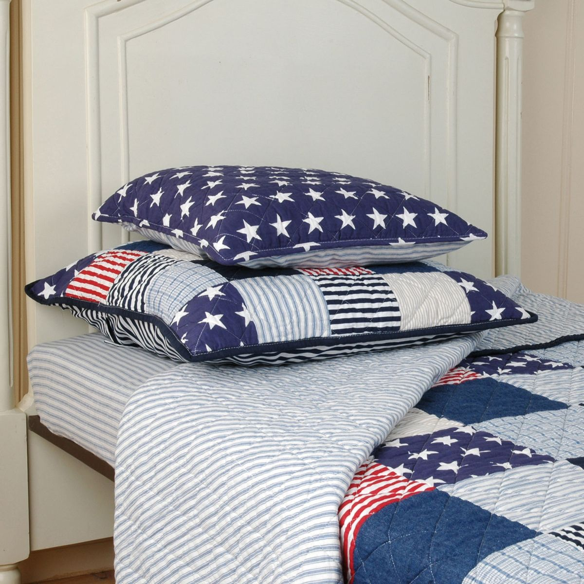 tagesdecke stars stripes quilt 140x220 von clayre eef kaufen. Black Bedroom Furniture Sets. Home Design Ideas