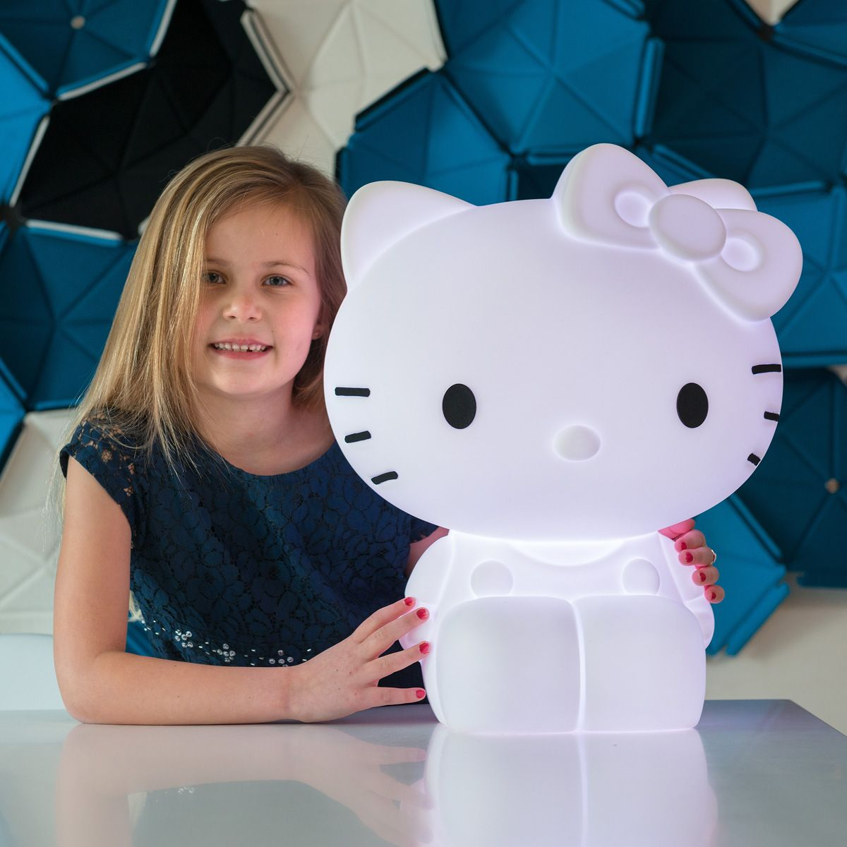 hello kitty lampe led von elfabase kaufen bei little roomers. Black Bedroom Furniture Sets. Home Design Ideas