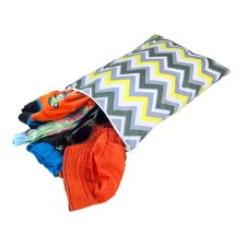 Beutel Wet Bag TRAVEL HAPPENS Sunshine Chevron von itzy ritzy